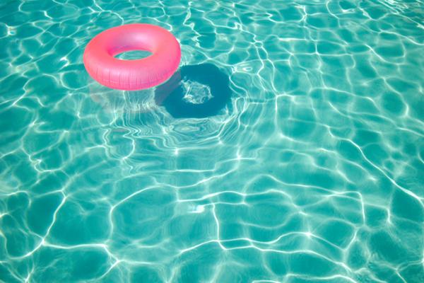 Alghe e acqua torbida in piscina… le nostre soluzioni